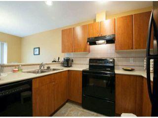 Photo 2: 18 6450 199 Street in Logan's Landing: Home for sale : MLS®# F1305726