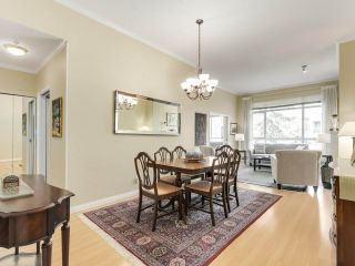 """Photo 2: 432 5735 HAMPTON Place in Vancouver: University VW Condo for sale in """"The Bristol"""" (Vancouver West)  : MLS®# R2541158"""