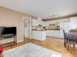 """Photo 7: 22 4748 54A Street in Delta: Delta Manor Townhouse for sale in """"ROSEWOOD"""" (Ladner)  : MLS®# R2452528"""