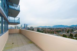 """Photo 1: 2604 5611 GORING Street in Burnaby: Central BN Condo for sale in """"Legacy"""" (Burnaby North)  : MLS®# R2624537"""