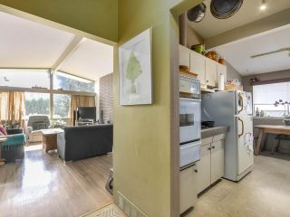 """Photo 3: 3391 WARDMORE Place in Richmond: Seafair House for sale in """"SEAFAIR"""" : MLS®# R2568914"""