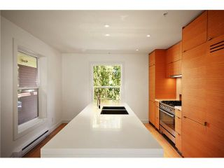 """Photo 3: 1556 COMOX Street in Vancouver: West End VW Townhouse for sale in """"C & C"""" (Vancouver West)  : MLS®# V908911"""