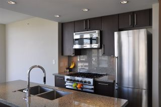 Photo 9: 709 1708 COLUMBIA STREET in Vancouver: False Creek Condo for sale (Vancouver West)  : MLS®# R2059228