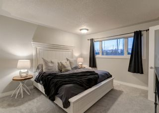 Photo 17: 563 Woodpark Crescent SW in Calgary: Woodlands Detached for sale : MLS®# A1095098