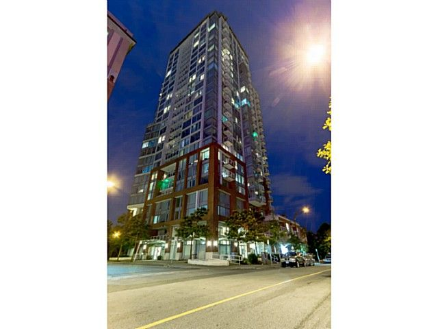 """Main Photo: 2502 550 TAYLOR Street in Vancouver: Downtown VW Condo for sale in """"THE TAYLOR"""" (Vancouver West)  : MLS®# V1071091"""