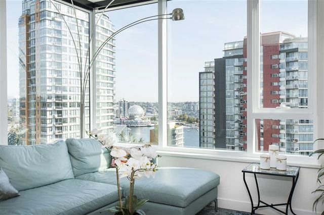 """Photo 5: Photos: 1908 68 SMITHE Street in Vancouver: Downtown VW Condo for sale in """"1 PACIFIC"""" (Vancouver West)  : MLS®# R2244187"""