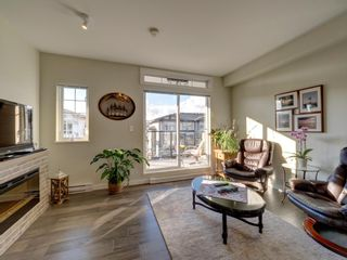 """Photo 5: 5980 OLDMILL Lane in Sechelt: Sechelt District Townhouse for sale in """"Edgewater"""" (Sunshine Coast)  : MLS®# R2243724"""