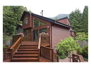 Photo 1: 5527 HUCKLEBERRY LN in North Vancouver: Grouse Woods House for sale : MLS®# V910533