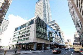 Photo 9: 386 Yonge St Unit #5711 in Toronto: Bay Street Corridor Condo for sale (Toronto C01)  : MLS®# C3611063