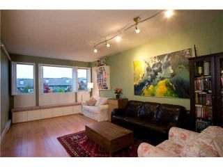 Photo 2: 304 6268 EAGLES Drive in Vancouver: University VW Condo for sale (Vancouver West)  : MLS®# V938491