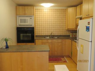 Photo 6: 357 Woodvale Crescent SW in Calgary: Woodlands Semi Detached for sale : MLS®# A1135631