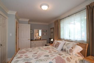 Photo 3: 2847 GORDON Avenue in Surrey: Crescent Bch Ocean Pk. House for sale (South Surrey White Rock)  : MLS®# F1116073
