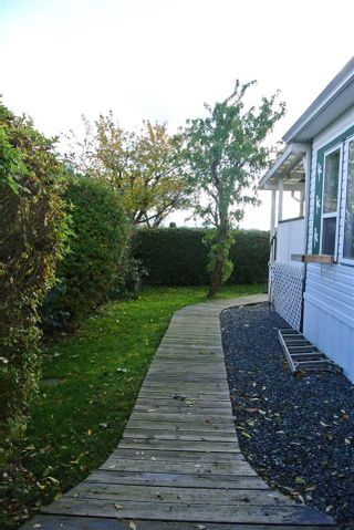 """Photo 14: 82 41168 LOUGHEED Highway in Mission: Dewdney Deroche Manufactured Home for sale in """"Oasis Country Estates"""" : MLS®# R2014800"""