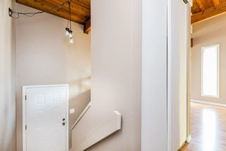 Photo 2: 4352 76 Street in Edmonton: Zone 29 Townhouse for sale : MLS®# E4253529