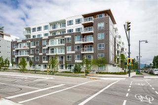 """Photo 2: 4 10581 140 Street in Surrey: Whalley Townhouse for sale in """"HQ Thrive"""" (North Surrey)  : MLS®# R2382138"""