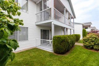 """Photo 1: 68 32691 GARIBALDI Drive in Abbotsford: Abbotsford West Townhouse for sale in """"CARRIAGE LANE"""" : MLS®# R2408776"""