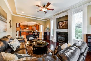 """Photo 6: 21137 83 Avenue in Langley: Willoughby Heights House for sale in """"YORKSON"""" : MLS®# R2318643"""
