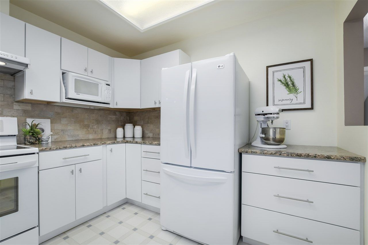 """Photo 10: Photos: 304 7580 MINORU Boulevard in Richmond: Brighouse South Condo for sale in """"CARMEL POINT"""" : MLS®# R2369650"""