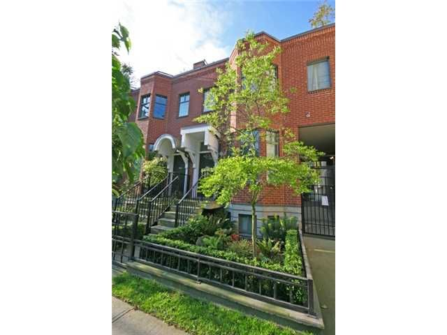 """Main Photo: 842 W 6TH Avenue in Vancouver: Fairview VW Townhouse for sale in """"BOXWOOD GREEN"""" (Vancouver West)  : MLS®# v835830"""