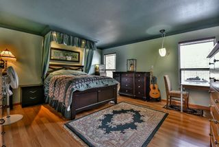 """Photo 2: 13571 60A Avenue in Surrey: Panorama Ridge House for sale in """"PANORAMA"""" : MLS®# R2130983"""