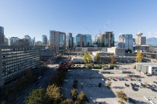 """Photo 12: 1809 161 W GEORGIA Street in Vancouver: Downtown VW Condo for sale in """"COSMO"""" (Vancouver West)  : MLS®# R2624966"""
