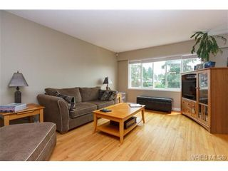 Photo 4: 930 Easter Rd in VICTORIA: SE Quadra House for sale (Saanich East)  : MLS®# 706890