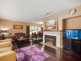 Photo 2: 77 DESSWOOD Place in West Vancouver: Glenmore House for sale : MLS®# V1090987