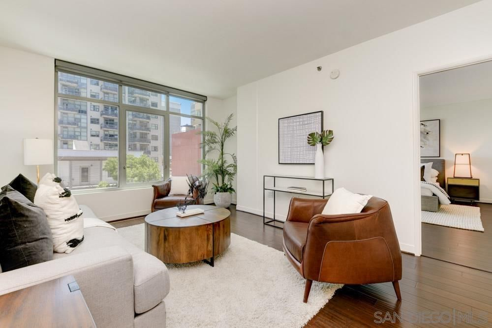 Main Photo: DOWNTOWN Condo for sale : 2 bedrooms : 425 W Beech St #521 in San Diego