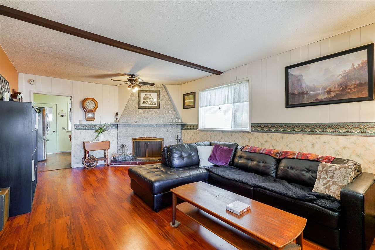 Photo 3: Photos: 8030 13TH Avenue in Burnaby: East Burnaby House for sale (Burnaby East)  : MLS®# R2494365