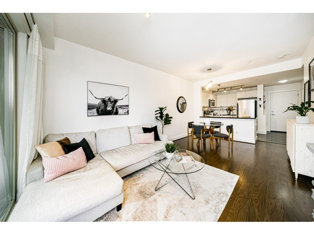 """Main Photo: 305 7428 BYRNEPARK Walk in Burnaby: South Slope Condo for sale in """"The Green"""" (Burnaby South)  : MLS®# R2489455"""