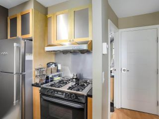 """Photo 10: 505 1003 BURNABY Street in Vancouver: West End VW Condo for sale in """"The Milano"""" (Vancouver West)  : MLS®# R2276675"""