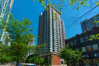 Photo 1: 710 928 HOMER STREET in Vancouver: Yaletown Condo for sale (Vancouver West)  : MLS®# R2429120