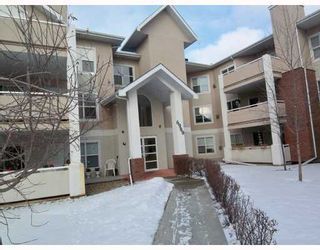 Photo 1: 108 6900 HUNTERVIEW Drive NW in Calgary: Huntington Hills Condo for sale : MLS®# C3366004