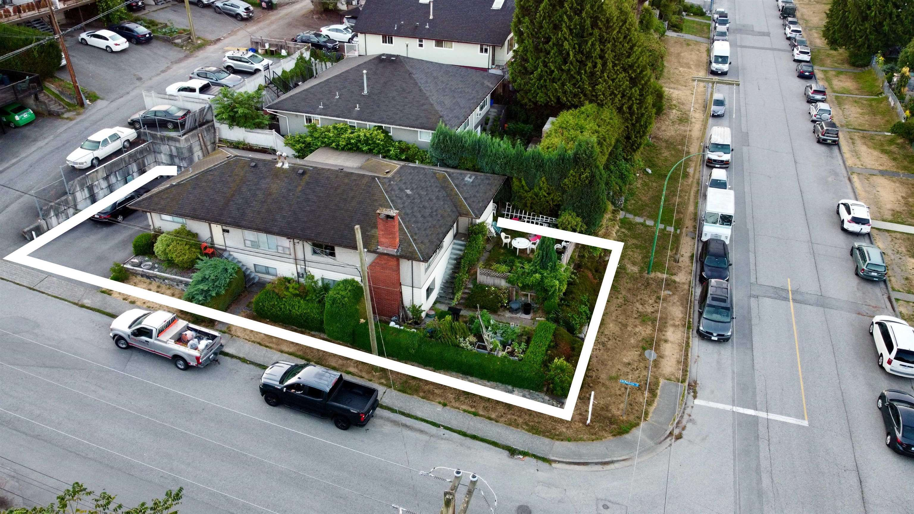 Main Photo: 400 E 1ST Street in North Vancouver: Lower Lonsdale House for sale : MLS®# R2612536