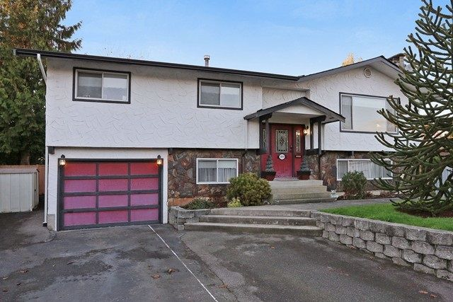 Main Photo: 5959 Angus Place in Cloverdale: Cloverdale BC House for sale
