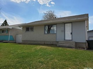 Photo 2: 1409 Goshen Place in Prince Albert: East Flat Residential for sale : MLS®# SK844682