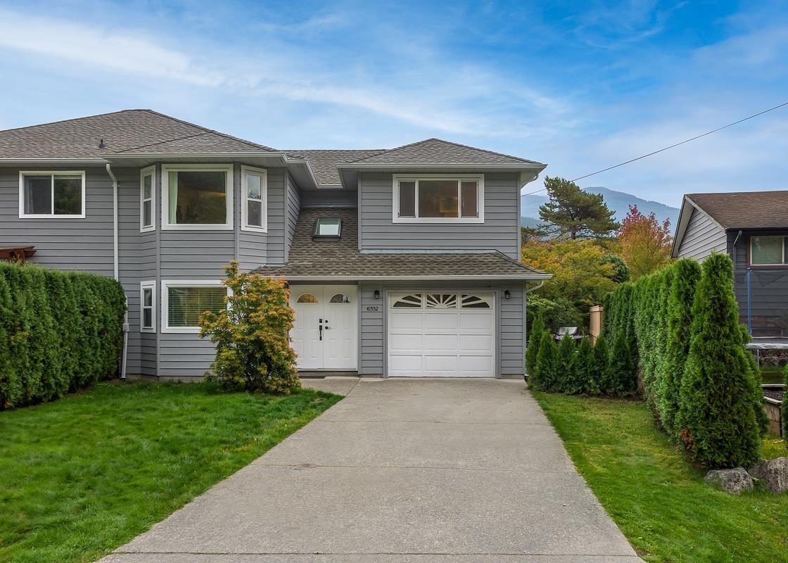 Main Photo: 41552 RAE Road in Squamish: Brackendale 1/2 Duplex for sale : MLS®# R2624467
