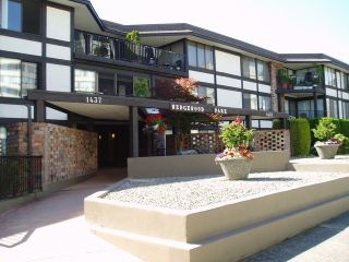 """Photo 1: 212 1437 FOSTER Street: White Rock Condo for sale in """"WEDGEWOOD"""" (South Surrey White Rock)  : MLS®# F1401129"""