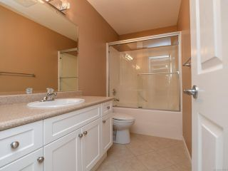 Photo 9: 106 2077 St Andrews Way in COURTENAY: CV Courtenay East Row/Townhouse for sale (Comox Valley)  : MLS®# 836791