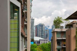 """Photo 19: 403 181 W 1ST Avenue in Vancouver: False Creek Condo for sale in """"BROOK AT THE VILLAGE AT FALSE CREEK"""" (Vancouver West)  : MLS®# R2576731"""