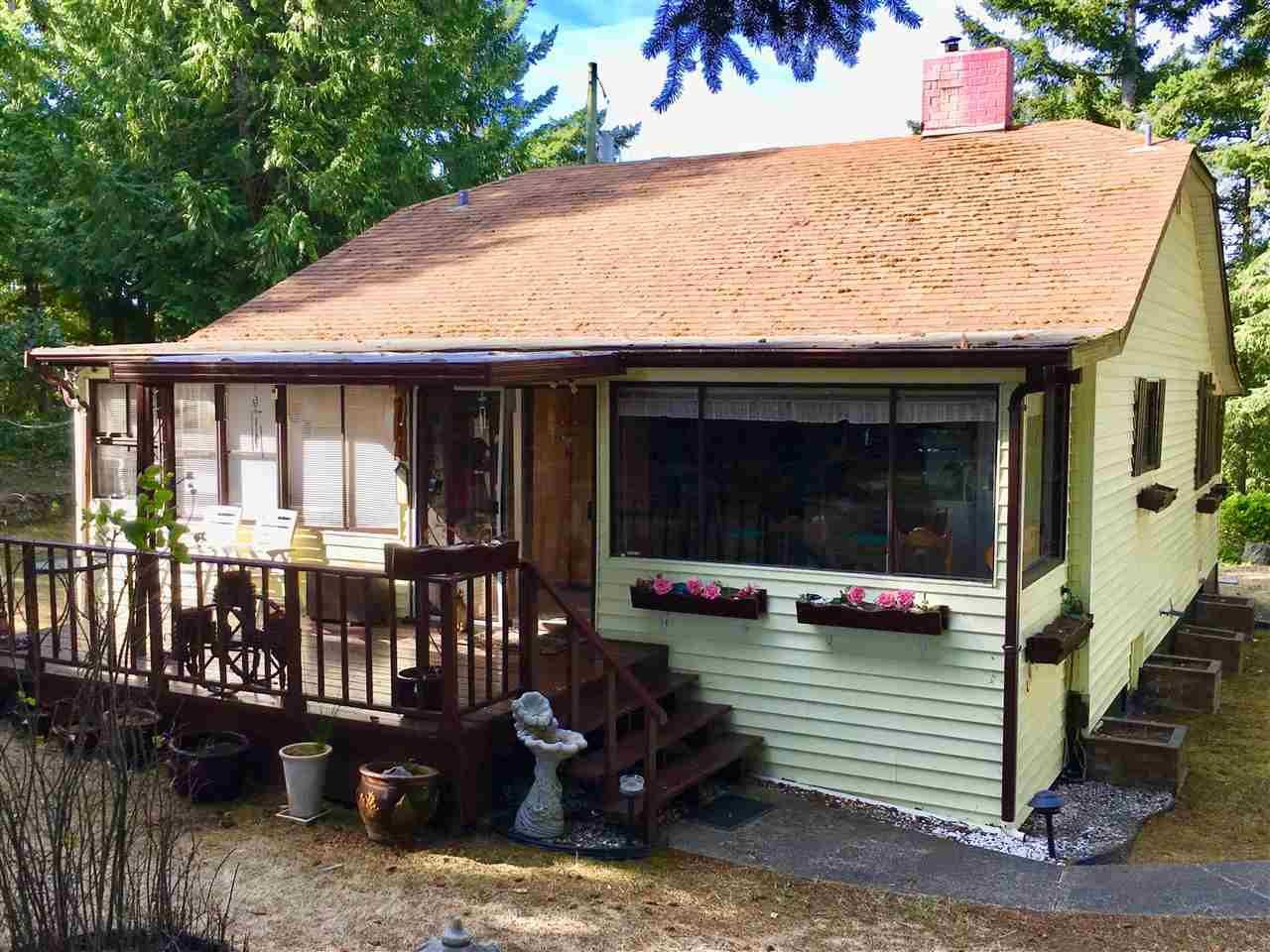 Main Photo: 370 CAMPBELL BAY Road: Mayne Island House for sale (Islands-Van. & Gulf)  : MLS®# R2464160