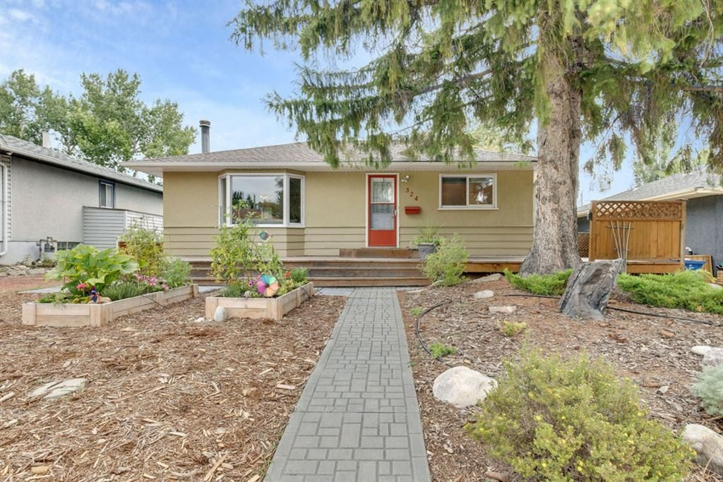 Main Photo: 324 Trafford Drive NW in Calgary: Thorncliffe Detached for sale : MLS®# A1140526