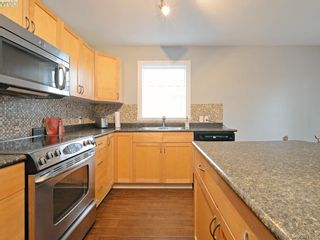 Photo 2: 200 2752 Peatt Rd in VICTORIA: La Langford Proper Row/Townhouse for sale (Langford)  : MLS®# 779042
