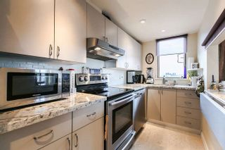 """Photo 5: 512 15111 RUSSELL Avenue: White Rock Condo for sale in """"Pacific Terrace"""" (South Surrey White Rock)  : MLS®# R2059126"""