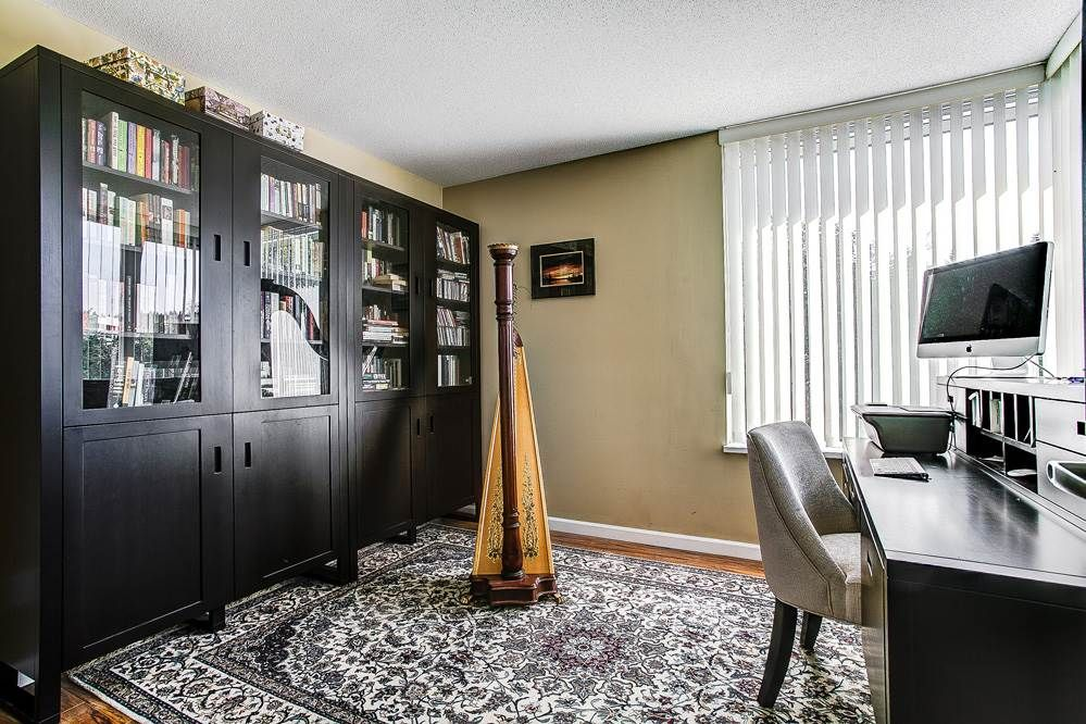 """Photo 12: Photos: 403 235 GUILDFORD Way in Port Moody: North Shore Pt Moody Condo for sale in """"THE SINCLAIR"""" : MLS®# R2187020"""
