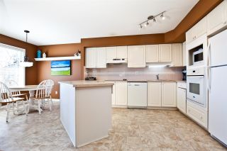 """Photo 8: 126 2880 PANORAMA Drive in Coquitlam: Westwood Plateau Townhouse for sale in """"GREYHAWKE ESTATES"""" : MLS®# R2566198"""