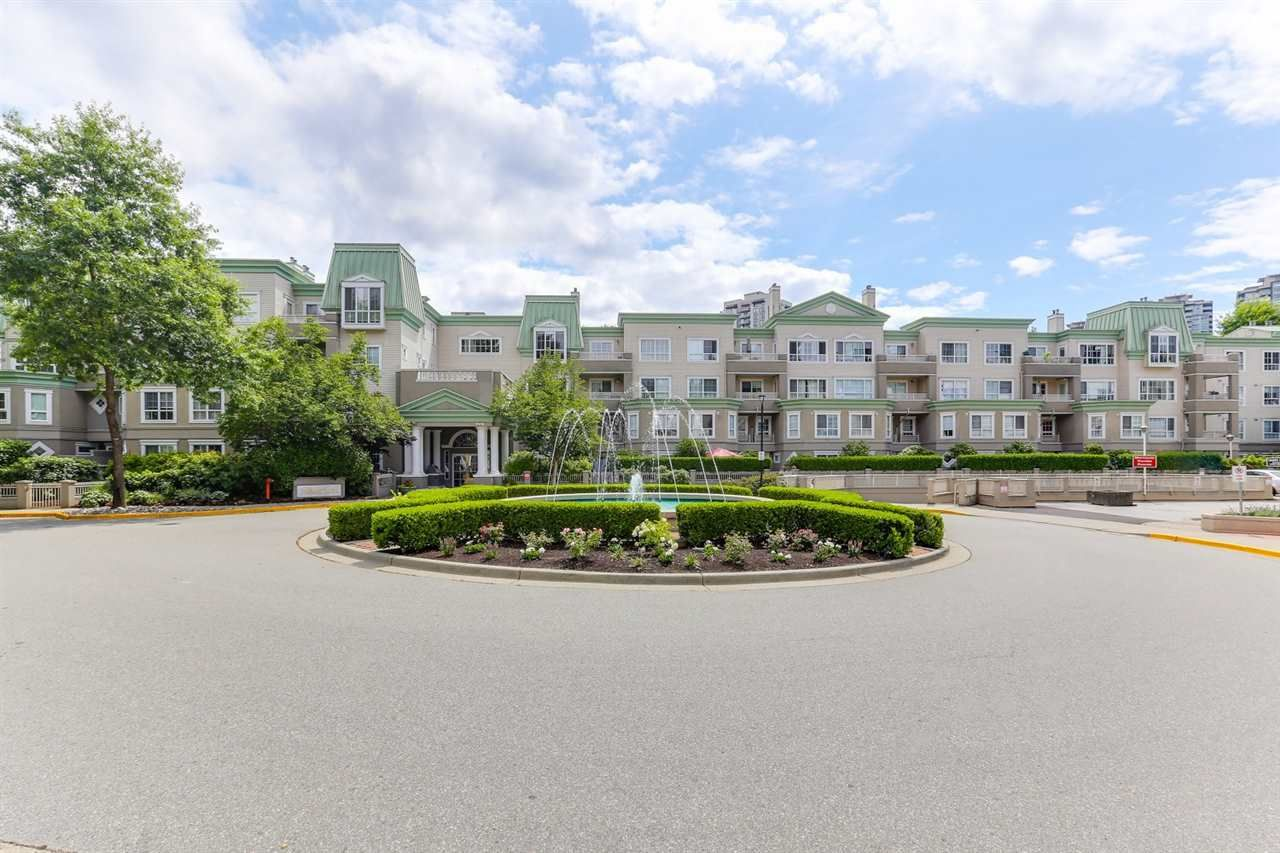 Main Photo: 135 2980 PRINCESS Crescent in Coquitlam: Canyon Springs Condo for sale : MLS®# R2392151