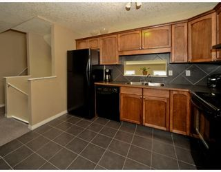Photo 6: 25 COPPERFIELD Court SE in CALGARY: Copperfield Townhouse for sale (Calgary)  : MLS®# C3383561