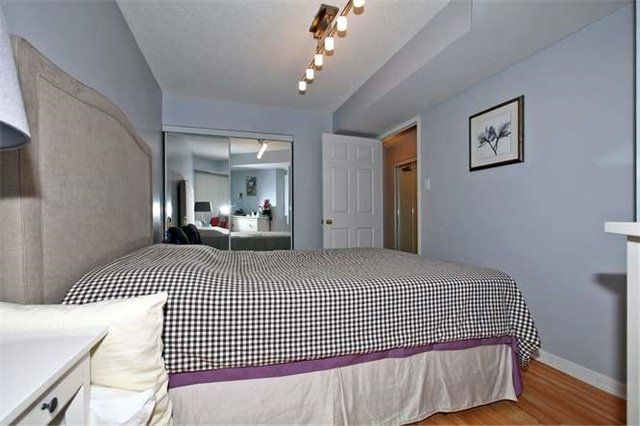 Photo 13: Photos: 808 109 E Front Street in Toronto: Moss Park Condo for lease (Toronto C08)  : MLS®# C3362918
