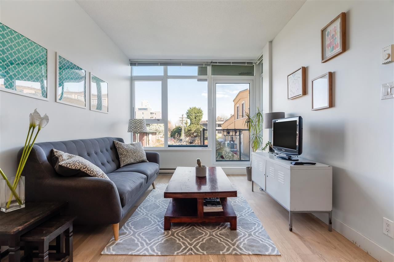 """Main Photo: 305 251 E 7TH Avenue in Vancouver: Mount Pleasant VE Condo for sale in """"DISTRICT"""" (Vancouver East)  : MLS®# R2566346"""